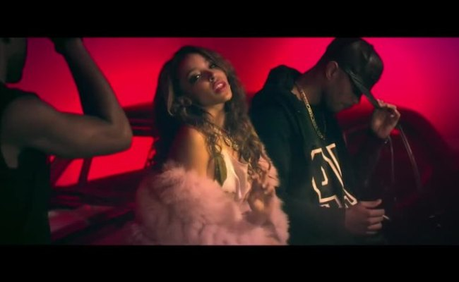Tinashe 2 On Explicit Ft Schoolboy Q Music Video Videos