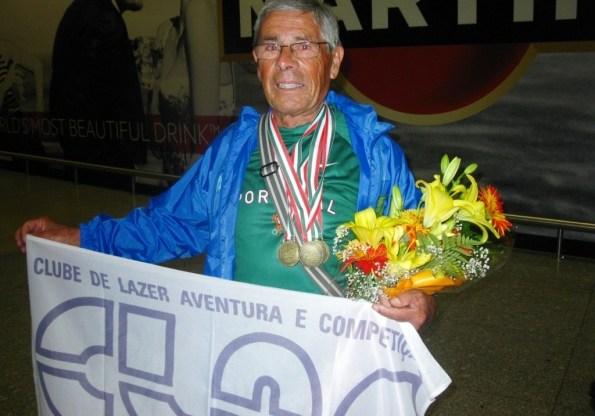 José  Canelo é recebido com palmas