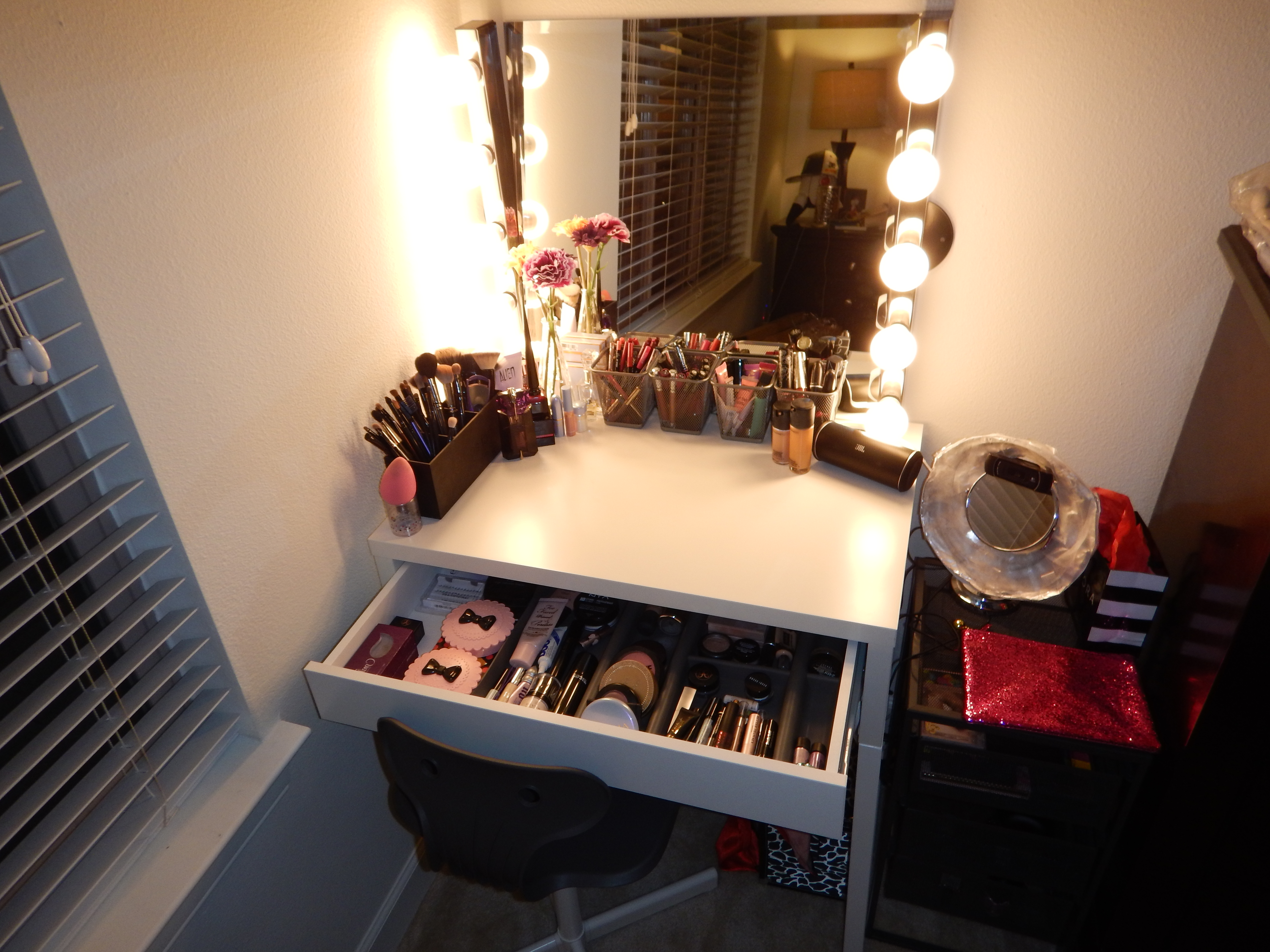 Hollywood Mirror Lights Ikea Diy Hollywood Style Makeup Vanity From Ikea Claire Bear X3