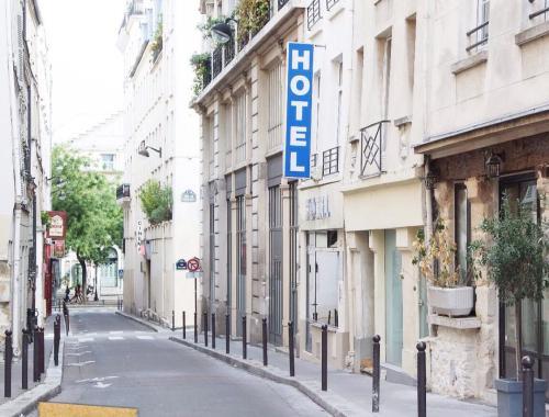 Balade dans le 2ème arrondissement de Paris . Ça donne envie de venir revivre à Paris ! #igersparis #iloveparis #paris #clairesblog
