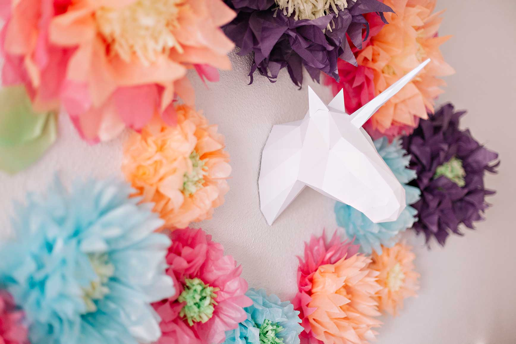 Una colorida fiesta de unicornios clarabmartin for Decoracion para pared de unicornio