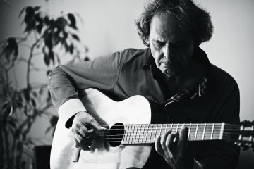 roland-dyens-classical-guitar-magazine-felix-salazar