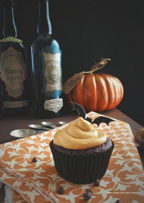 Paleo Chocolate Cupcakes with Pumpkin Spice Frosting