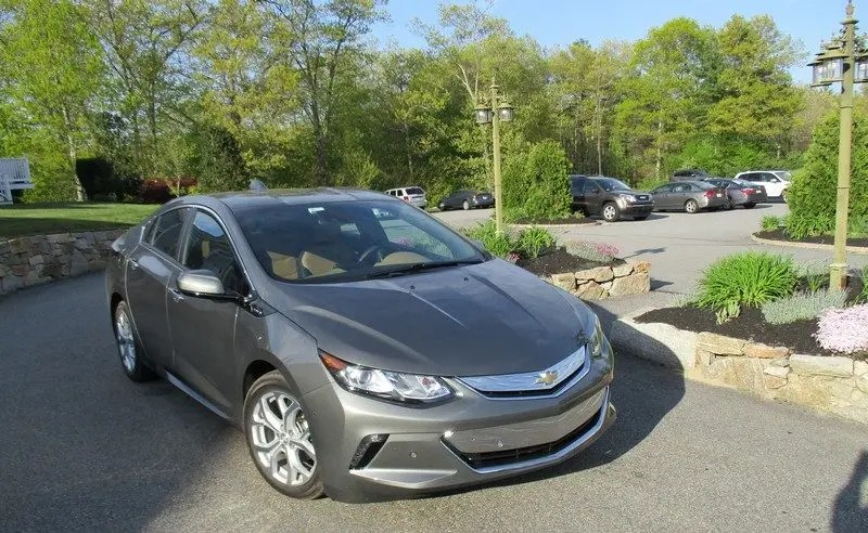 Plug-in Hybrid vs Fully Electric \u2014 Which Is Best? CleanTechnica