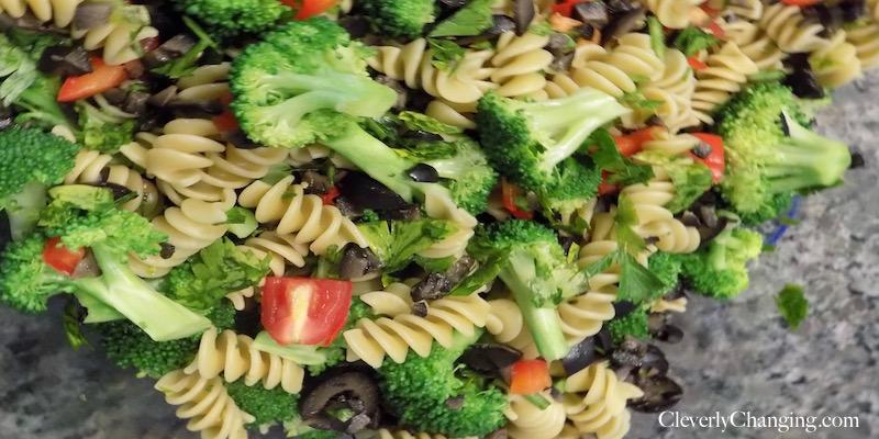 Broccoli Sun-dried Tomato Pasta Salad_cover