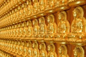 12907320-gold-buddha-statues-in-thai-temple