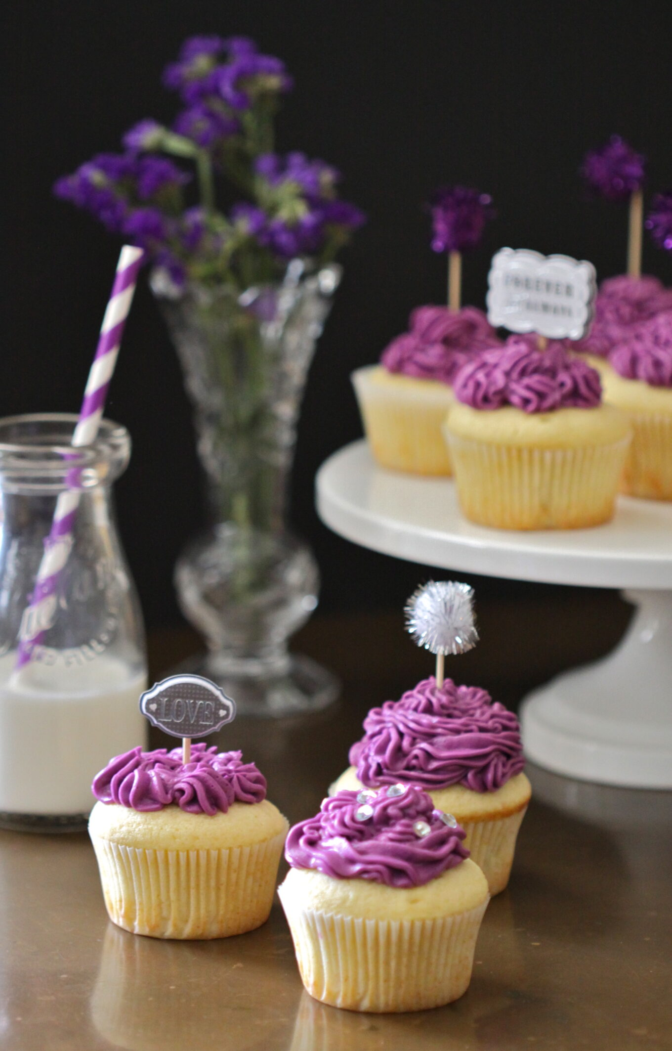 Cuisine Mauve Vanilla Cupcakes With Purple Buttercream Frosting