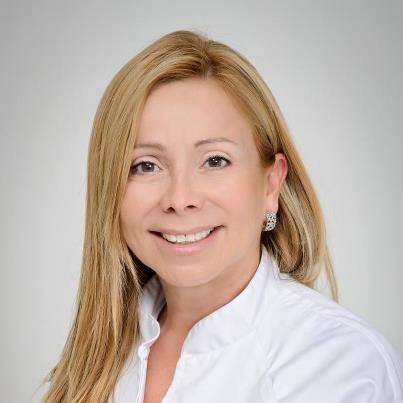 Mariana Sacoto Navia Ortodoncia invisible barcelona & estética dental