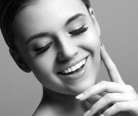 Clínica Mariana Sacoto Navia expertos en diseño de sonrisas tratamientos de vanguardia ortodoncia invisble invisalign