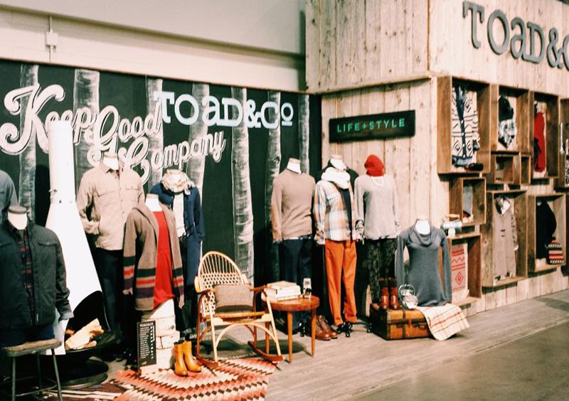 Merchandisers design outdoorsy retail displays at tradeshow