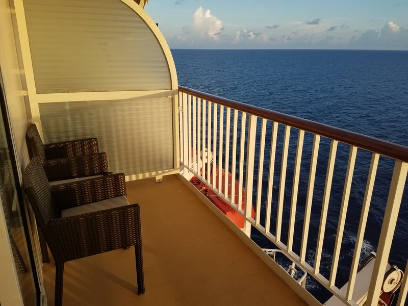 Suite 1586 On Majesty Of The Seas Category Yu