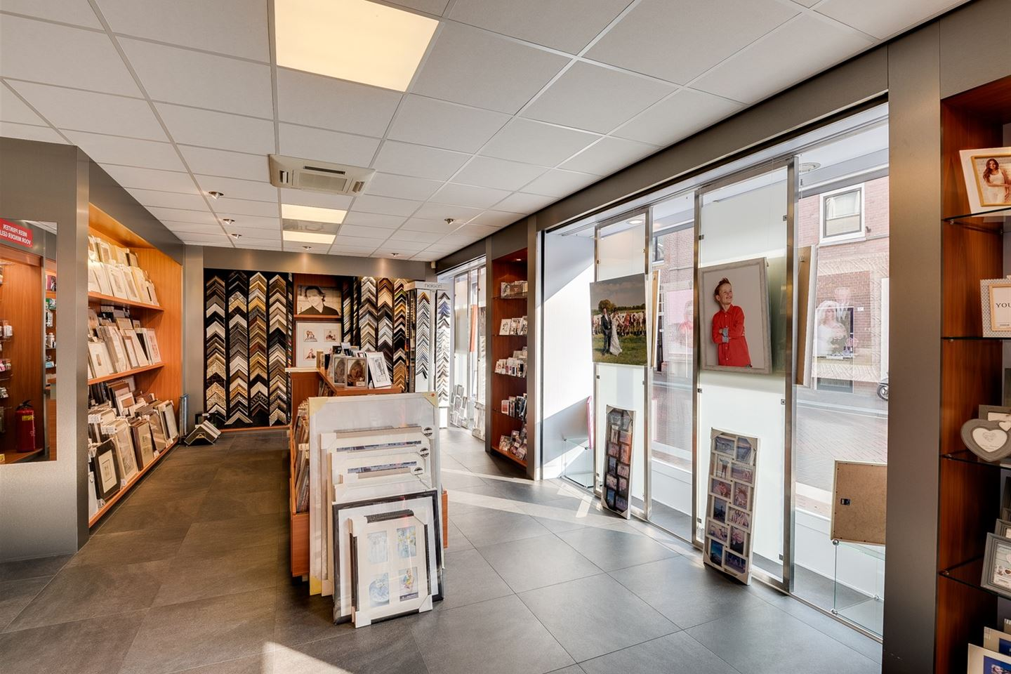 Banken Outlet Asten Retail Outlet Asten Search Retail Outlets For Sale