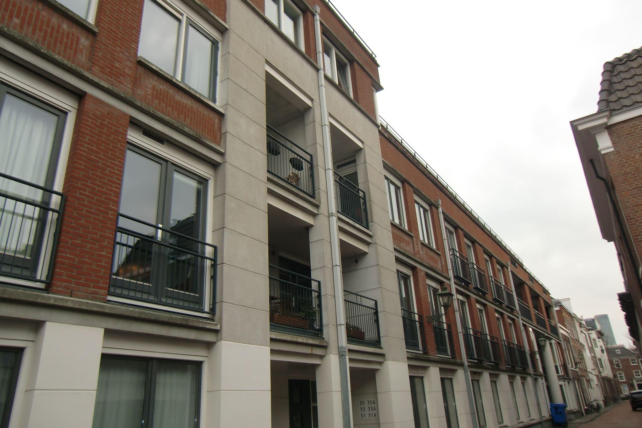 Good gallery of bekijk foto van laan van roos en doorn b for Realta mobilia 1093 en amsterdam