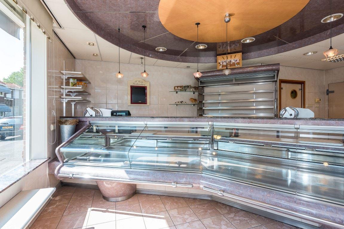 Badkamer Sliedrecht Set : Badkamer showroom sliedrecht design badkamer radiator met
