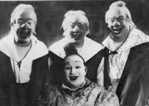 Pompoff Thedy Family. Detrás de izqu. a dcha. Emilio (Zampabollos), José (Nabucodonosorcito), Teodoro (Thedy) Aragón; delante: José-María Aragón (Pompoff) - 1940