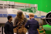 @KensingtonRoyal: Prince Harry, Chewbacca and @JohnBoyega compare outfits @PinewoodStudios