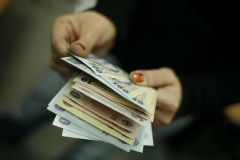 bani burse studenti