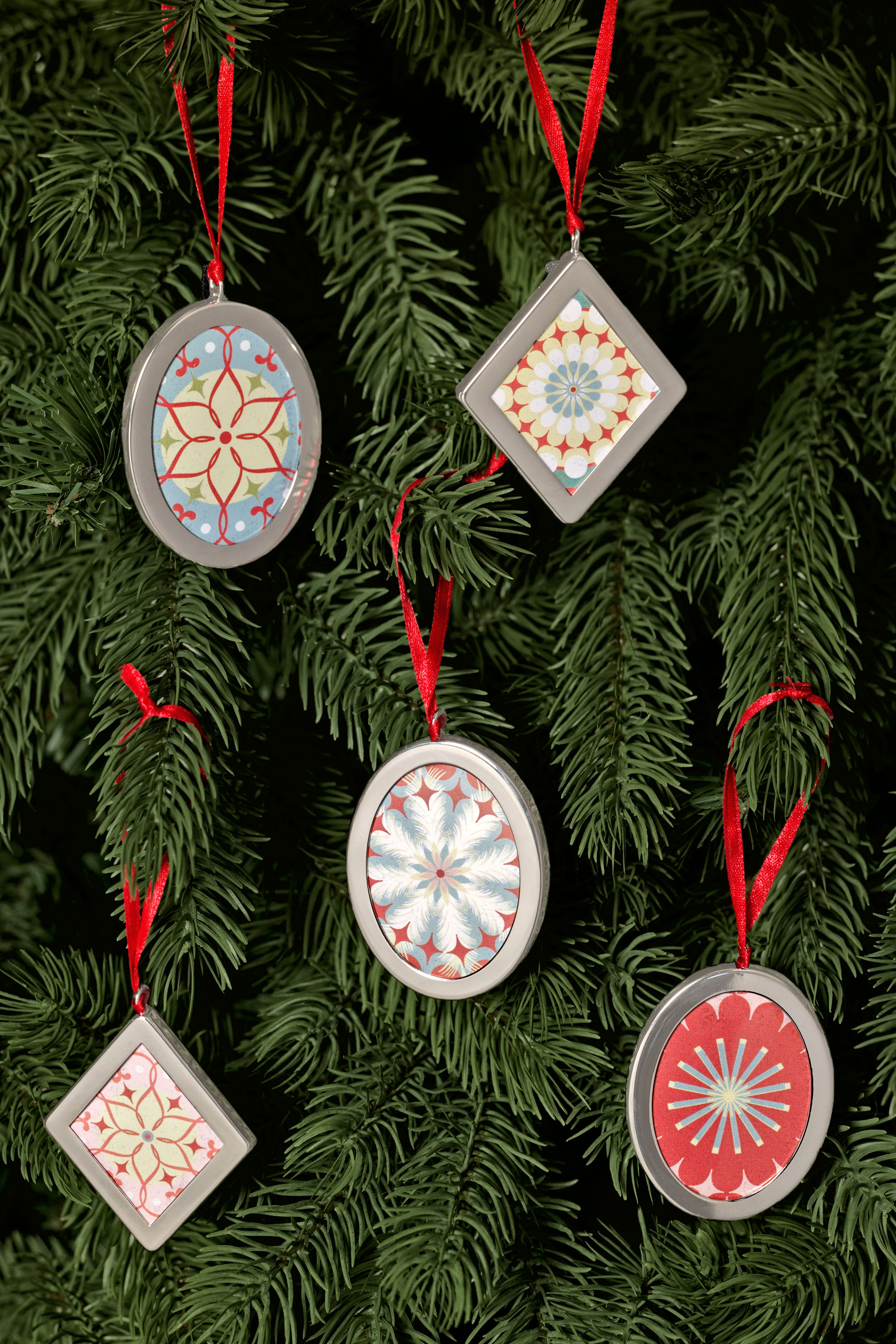 55 homemade christmas ornaments diy crafts with christmas tree ornaments