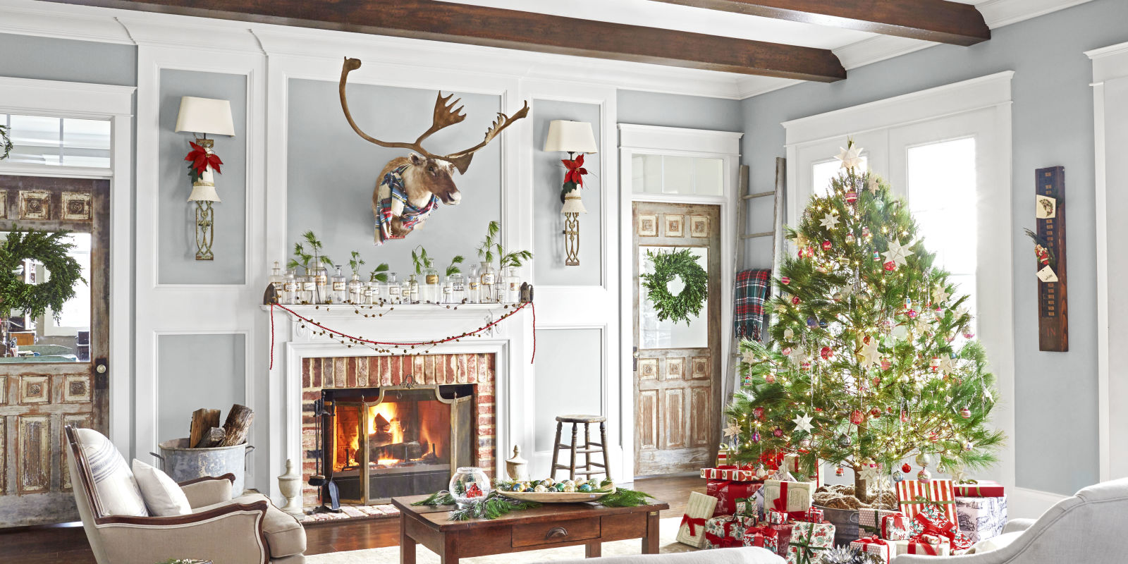 Christmas Interior Design 26 Best Christmas Home Tours Houses Decorated For Christmas