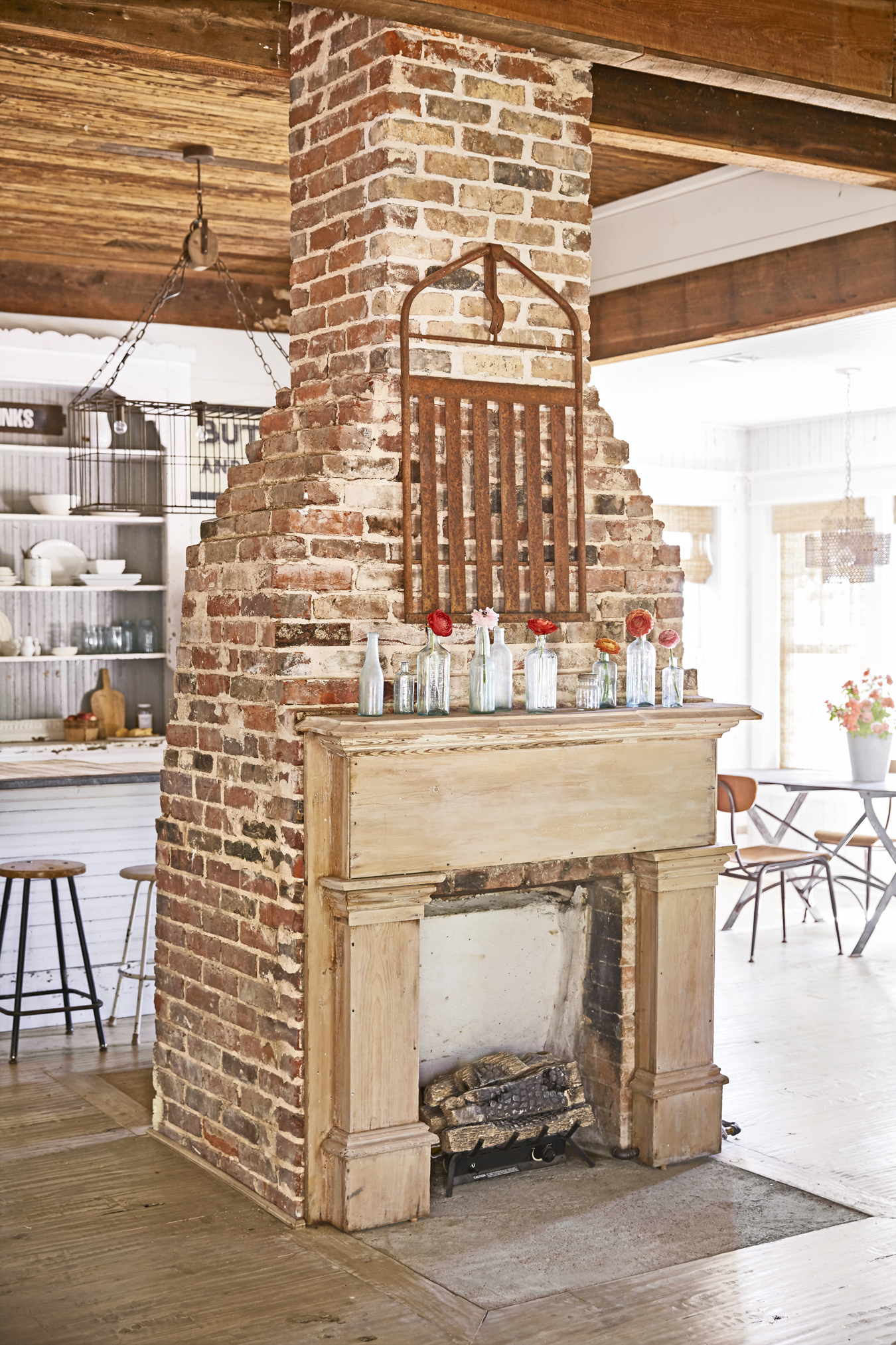 Old Farmhouse Fireplaces 40 Fireplace Design Ideas Fireplace Mantel Decorating Ideas