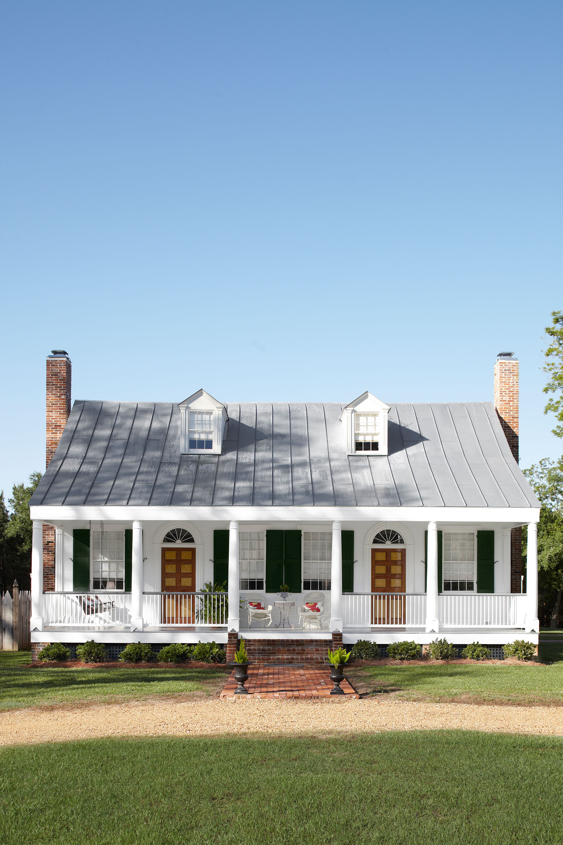 Renovated Farmhouse Before And After Historical Mississippi Renovation Historic Home Makeover