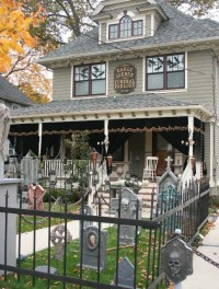 Halloween Yard Decorations - Best Outdoor Halloween Displays