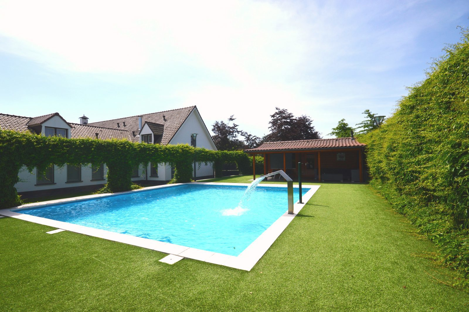 Zwembad Dublin Holiday Homes With Private Swimming Pool Book Now On Groepen Nl