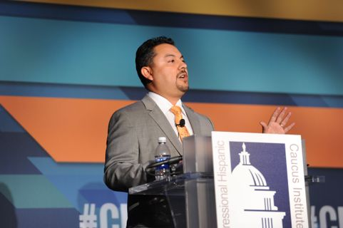 UNM professor takes main stage at national Hispanic policy