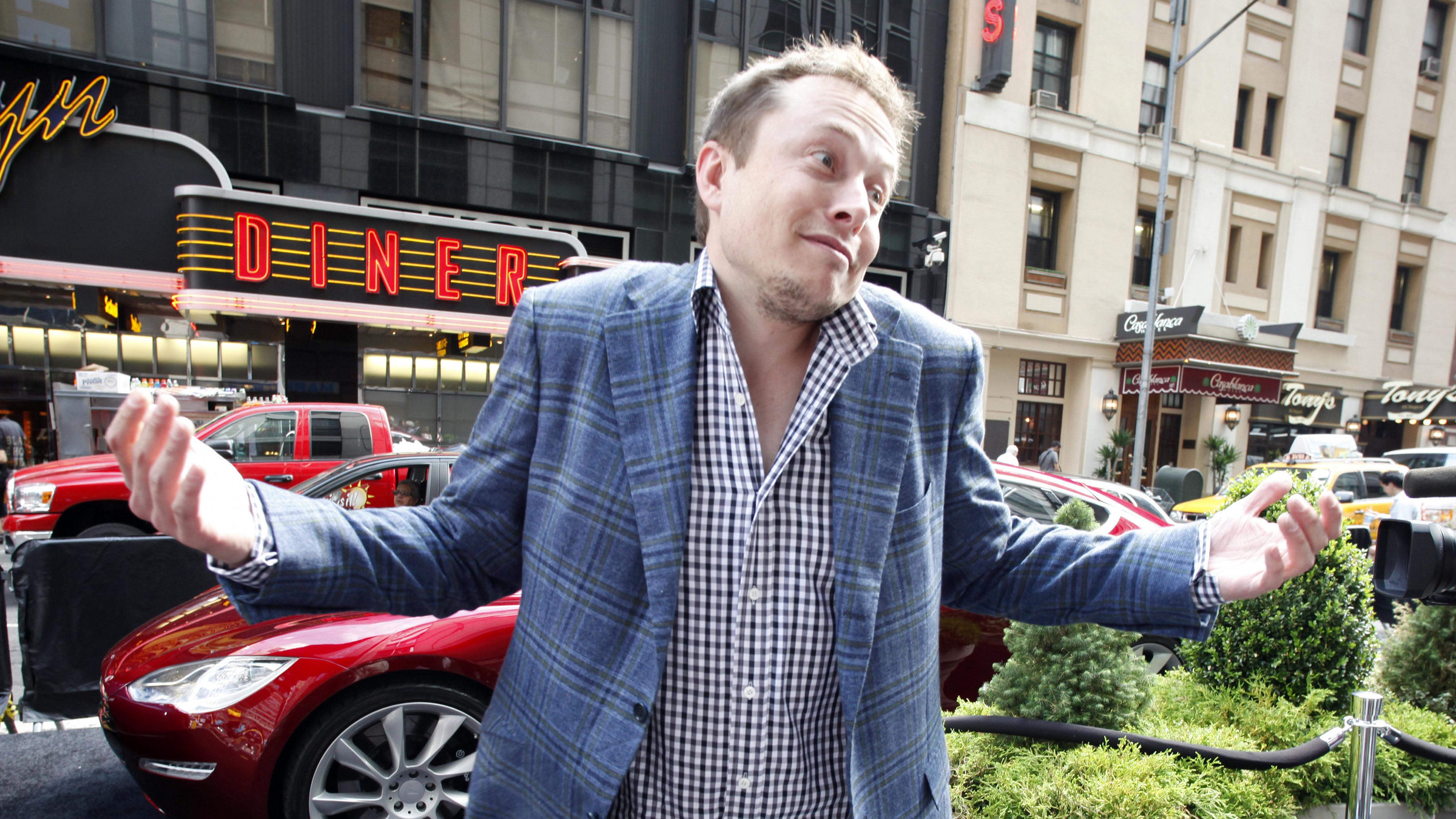 Musk Tesla The Elon Musk Is Right Tesla Could Be As Big As Apple Someday Quartz