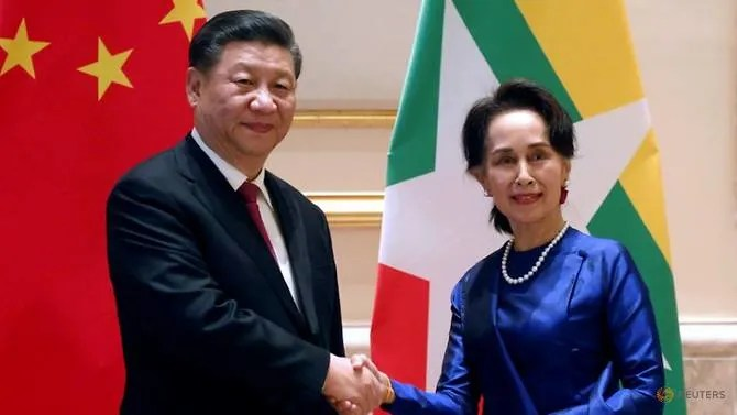 Chinese President Xi and Myanmar State Counsellor Aung San in Naypyitaw