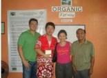 和供應商、椰農以及產地社區保持緊密的關係及連絡