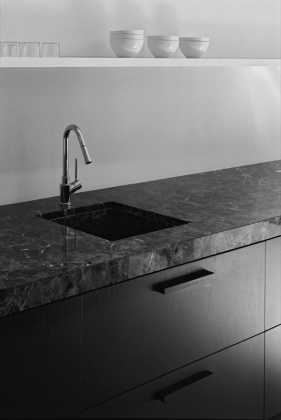 Marble kitchen surfaces - via Coco Lapine Design