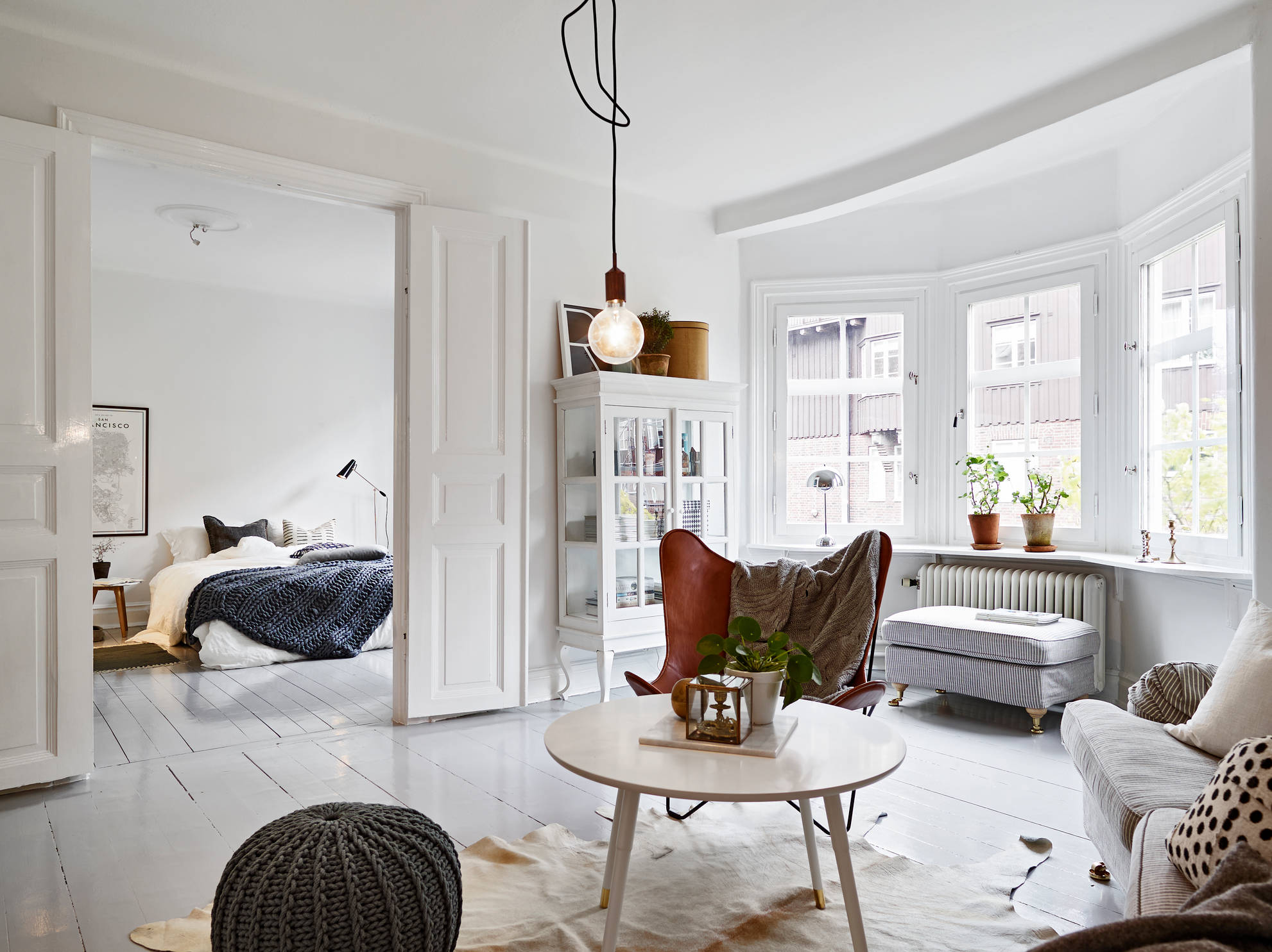 Classic and mid century modern combined into a cozy swedish home