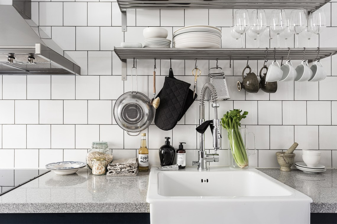 Dark blue and kitchen tiles - via cocolapinedesign.com