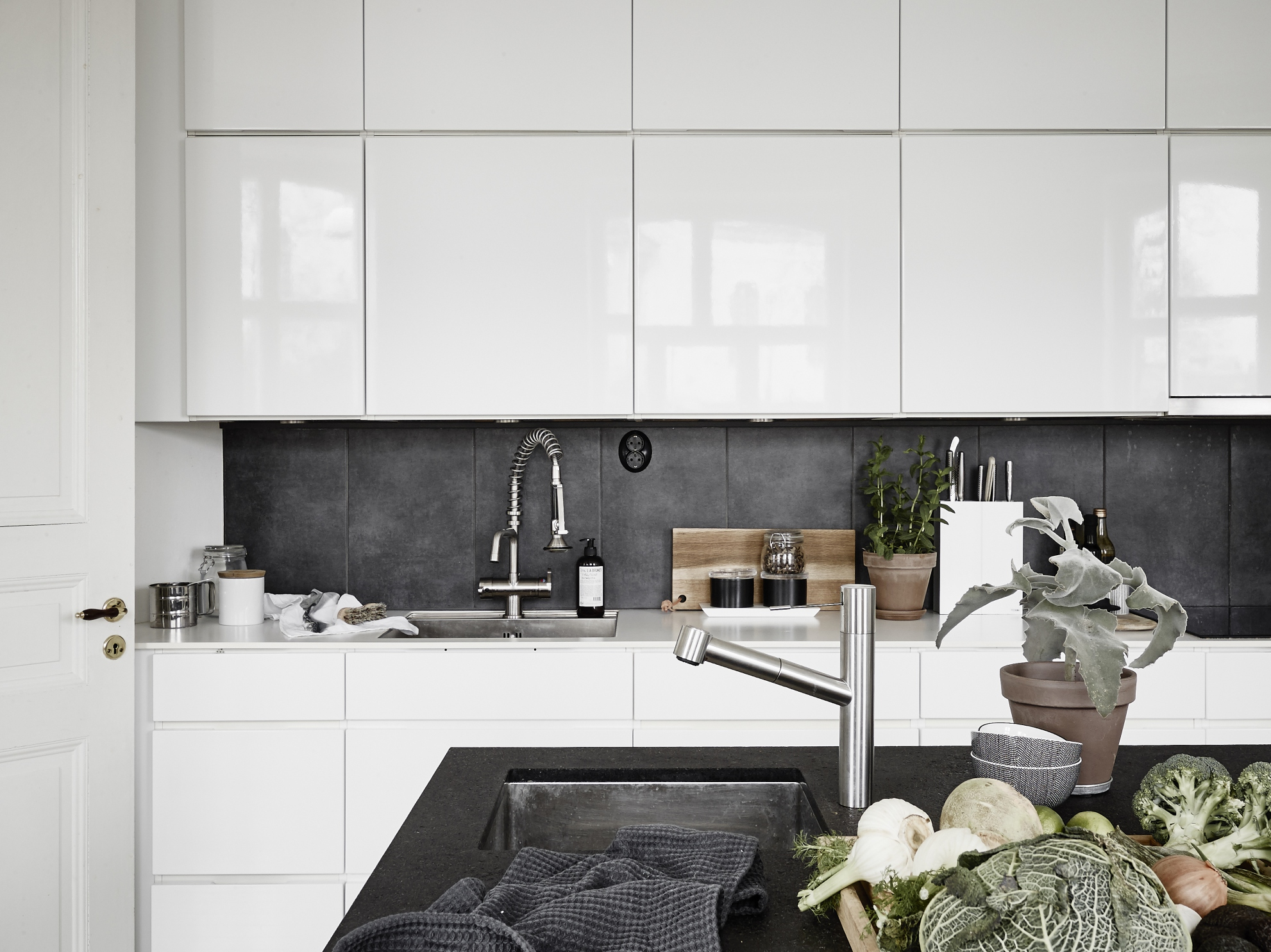 Kitchen Island For Small Apartment Small Apartment With A Big Kitchen Island Coco Lapine