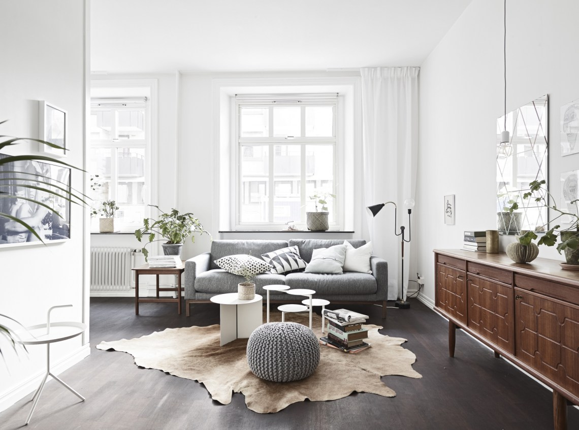 Soft colors on a dark floor coco lapine designcoco for Interieur salon moderne
