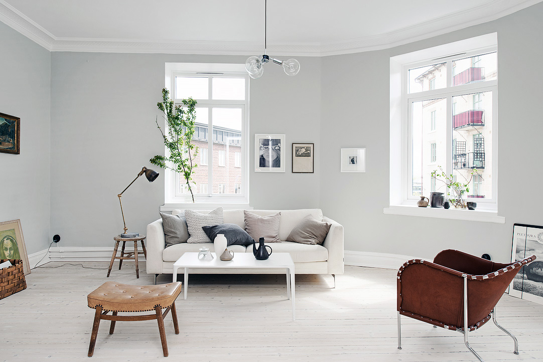 light grey home with a mix of old and new coco lapine design bloglovin. Black Bedroom Furniture Sets. Home Design Ideas