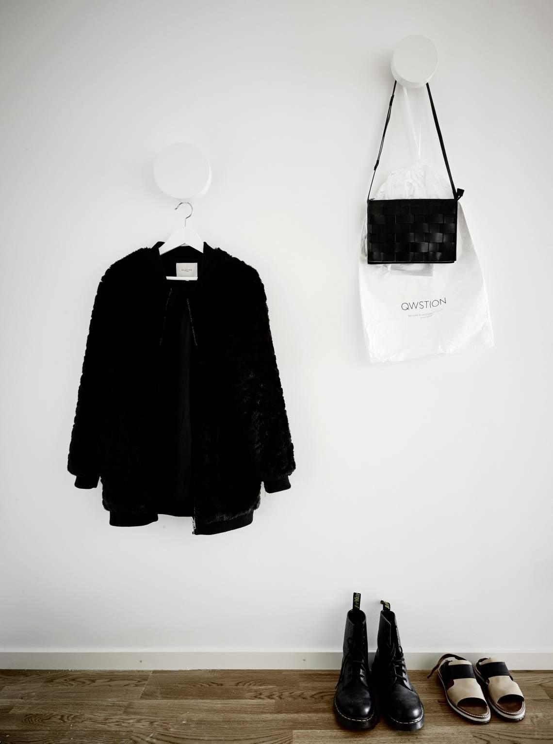Monochrome and neutrals - via cocolapinedesign.com
