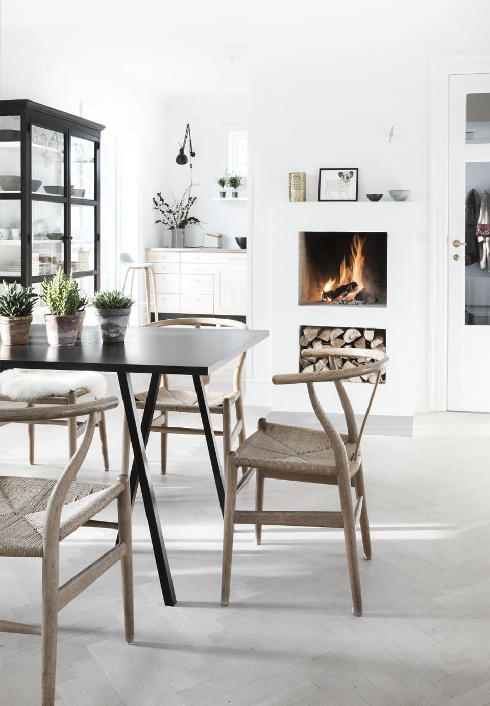 A spacious home in muted colours - via cocolapinedesign.com