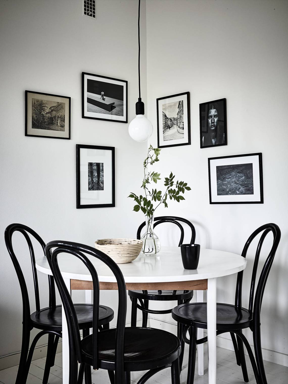 Fresh monochrome home - via cocolapinedesign.com