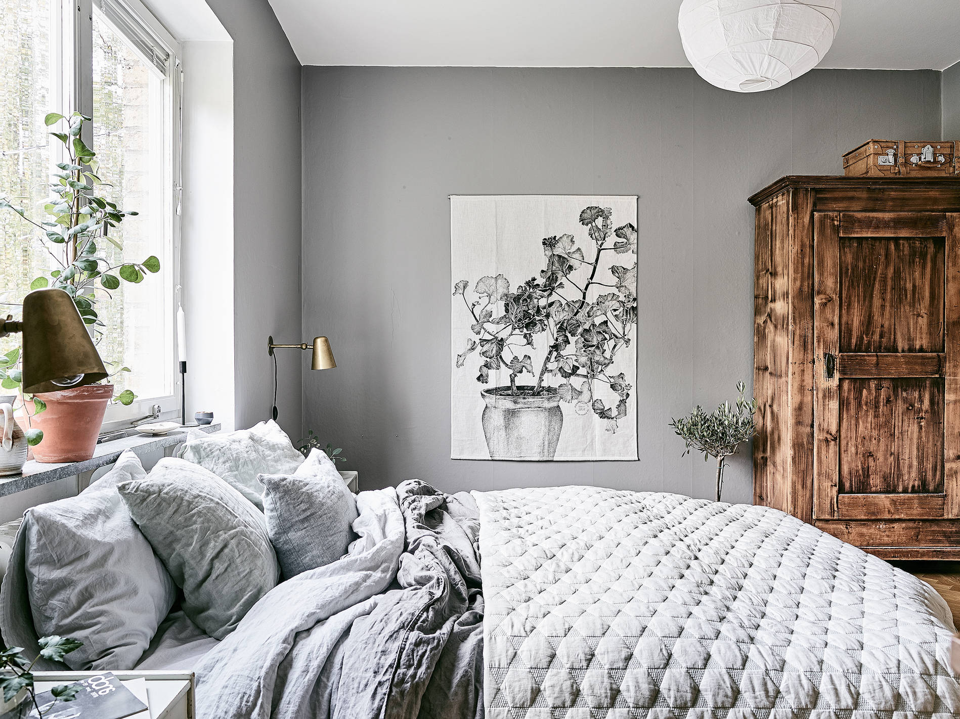 Bedroom Grey Walls Cozy Bedroom In Grey Coco Lapine Designcoco Lapine Design