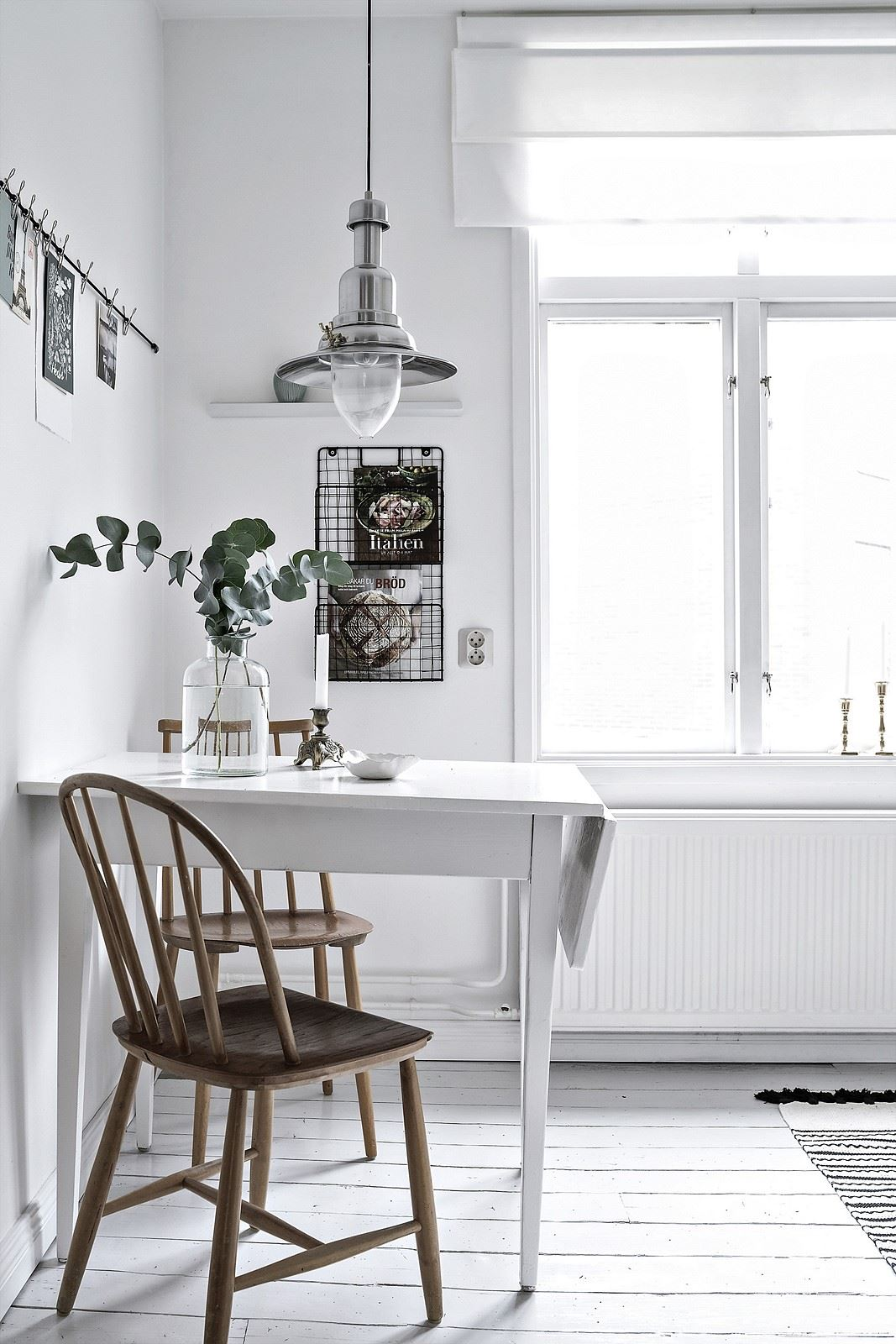 Fresh and white kitchen - via Coco Lapine Design