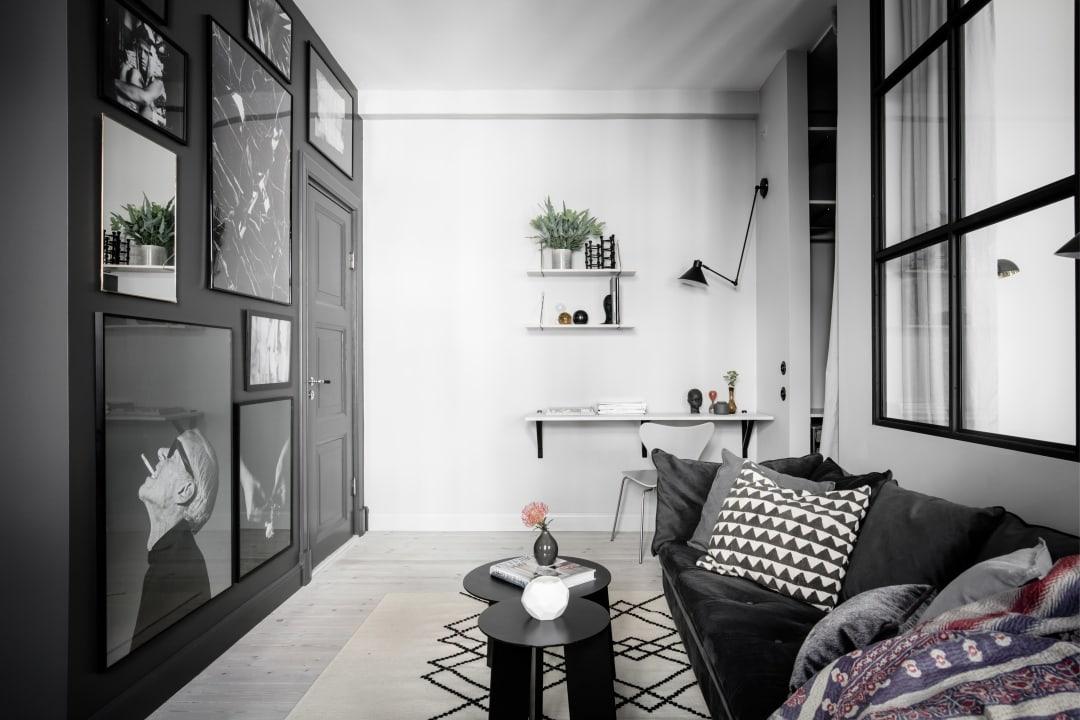 Small space living in dark colors - via Coco Lapine Design