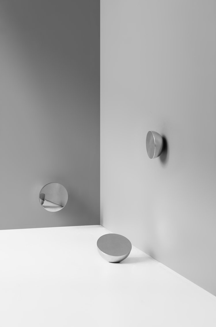 Aura table mirror - via Coco Lapine Design