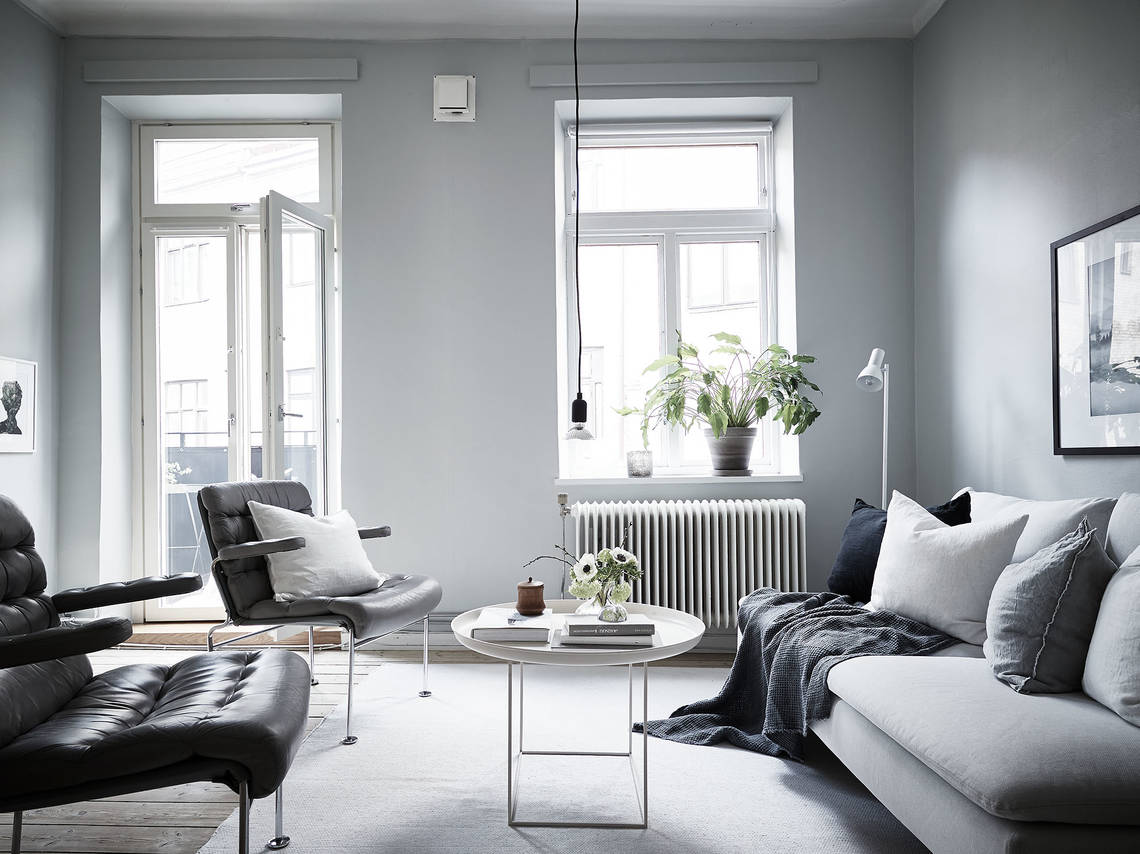 Fresh home in grey - via Coco Lapine Design