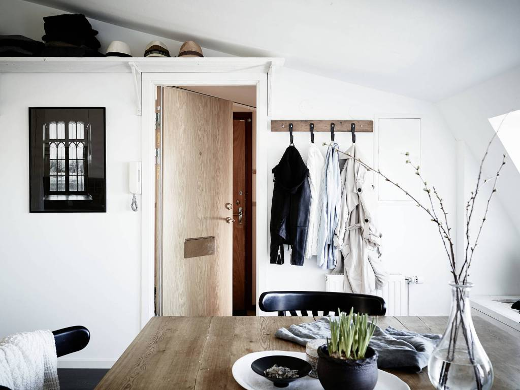 Small stylish attic apartment - via Coco Lapine Design