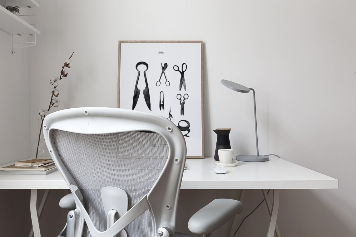 Herman Miller Aeron in Mineral - via Coco Lapine Design