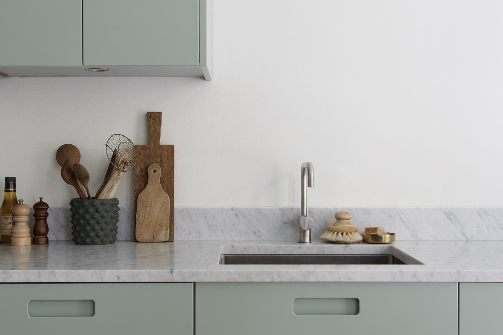 ... Mint Green Kitchen   Via Coco Lapine Design