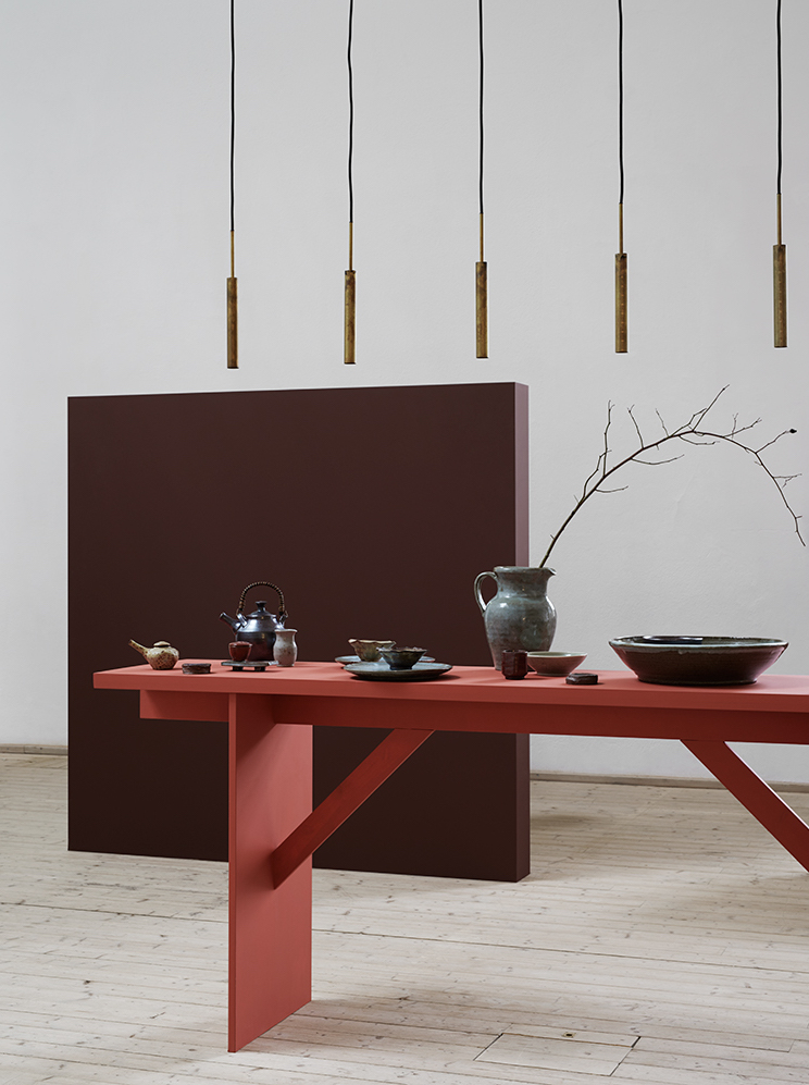 Styling in red - via Coco Lapine Design