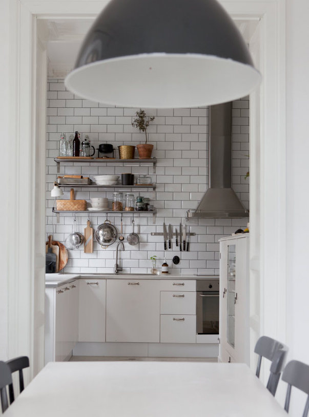 Fresh and cozy kitchen - via Coco Lapine Design blog